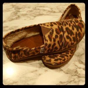 Tom's cheetah flats